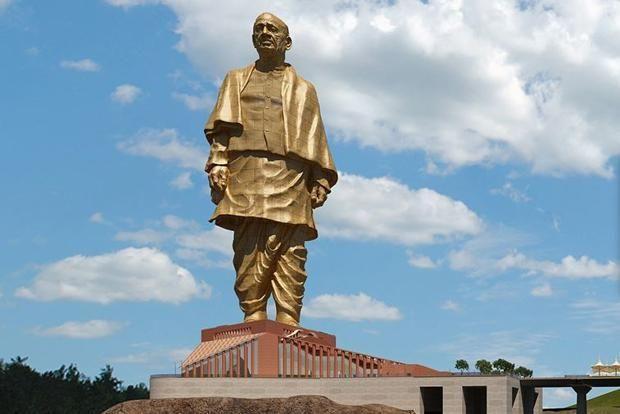 പട്ടേല് പ്രതിമക്കായി മൂന്ന് എണ്ണകമ്പനികളില് നിന്ന്  പിരിച്ചത് 180 കോടി രൂപ