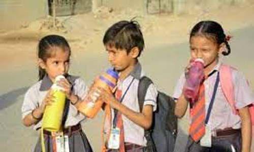ചൂട്: ടൈ, ഷൂസ്, സോക്സ് തുടങ്ങിയവ ധരിക്കാന് വിദ്യാര്ഥികളെ നിര്ബന്ധിക്കരുതെന്നു ബാലാവകാശ കമ്മീഷന്