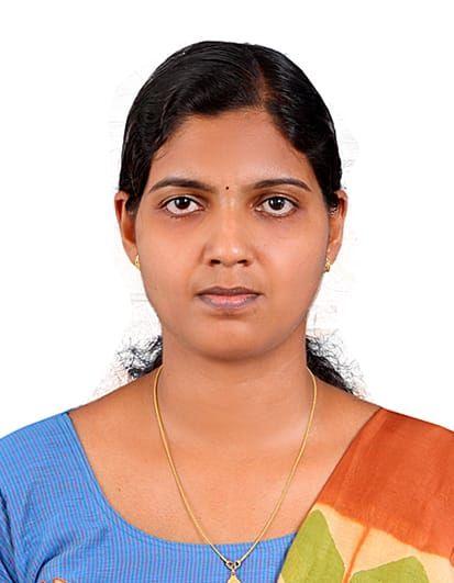കേരളത്തില്തന്നെ പരിശീലനം നേടിയാലും സിവില് സര്വീസ് വിജയിക്കാമെന്ന് 461ാം റാങ്കുകാരി