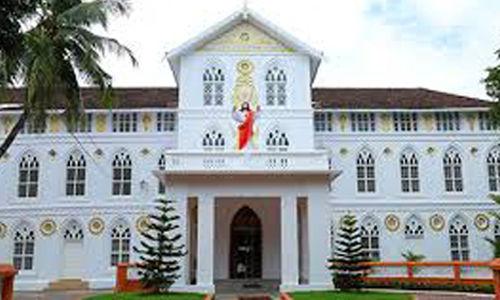 ലൗ ജിഹാദ് പരമാര്ശം; മെത്രാന് സിനഡിന്റെ സര്ക്കുലര് ബഹിഷ്കരിച്ച് എറണാകുളം-അങ്കമാലി അതിരൂപതയിലെ പള്ളികള്