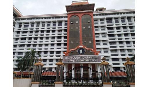 ലോക്ക് ഡൗണ്: ആഭ്യന്തര വിമാന സര്വീസ് ഇപ്പോള് കഴിയില്ലെന്ന് കേന്ദ്രസര്ക്കാര് ഹൈക്കോടതിയില്