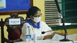 ബംഗാളിലേക്ക് പ്രത്യേക ശ്രാമിക് ട്രെയിനുകള് അയക്കരുത്: മമതാ ബാനര്ജി