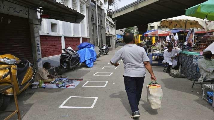 ബെംഗളൂരുവില് 14 മുതല് 23 വരെ ലോക്ഡൗണ്; അവശ്യ സര്വീസുകള് പ്രവര്ത്തിക്കും