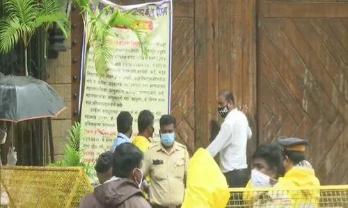 അമിതാബ് ബച്ചന്റെ നാല് ബംഗ്ലാവുകള് അടപ്പിച്ചു, 30 ജോലിക്കാര്ക്ക് ഉടന് കൊവിഡ് പരിശോധന