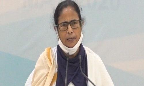 ജെഇഇ, നീറ്റ്: കേന്ദ്രം സുപ്രിംകോടതിയില് പുനപ്പരിശോധനാ ഹരജി നല്കണമെന്ന് മമതാ ബാനര്ജി