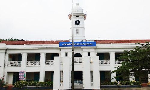 പാലക്കാട് നഗരസഭയില് ബിജെപിക്കുള്ളില് ചേരിപ്പോര്